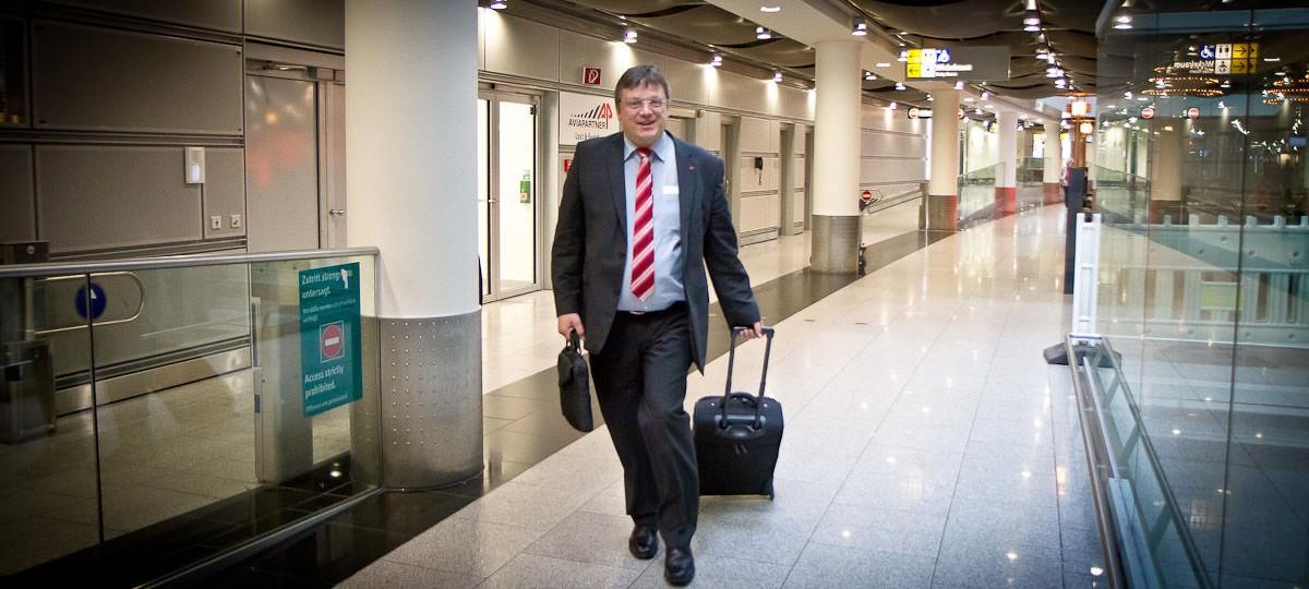 Andreas Rimkus auf dem Weg zur Sitzungswoche in Berlin