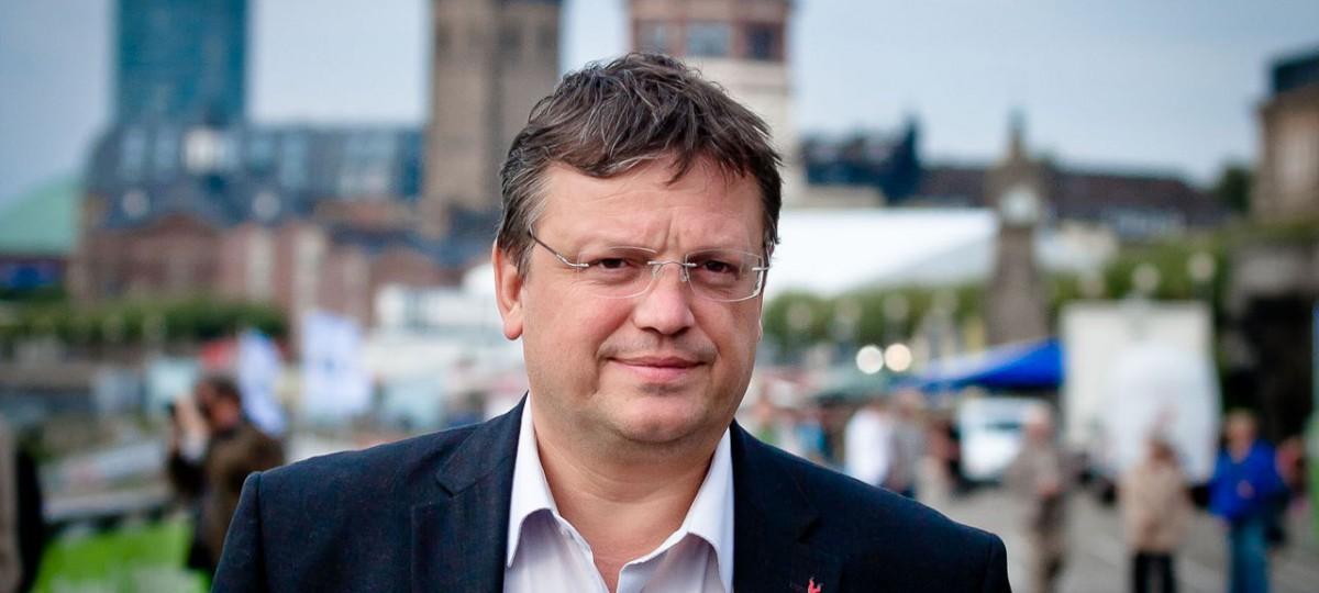 Andreas Rimkus in seinem Heimatwahlkreis Düsseldorf