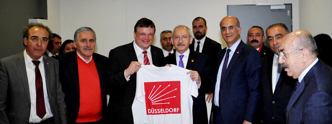 Düsseldorfs SPD-Vorsitzender Andreas Rimkus MdB begrüßte 15.000 Sympathisanten der türkischen sozialdemokratischen Partei CHP im ISS-Dome