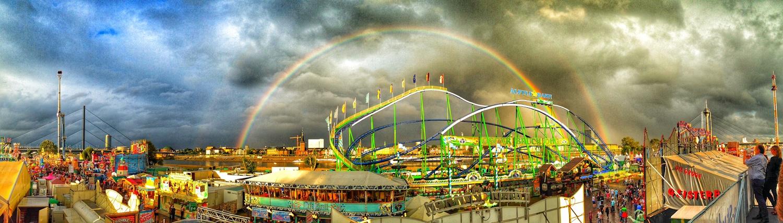Regenbogen auf der Rheinkirmes - jetzt auf Leinwand!
