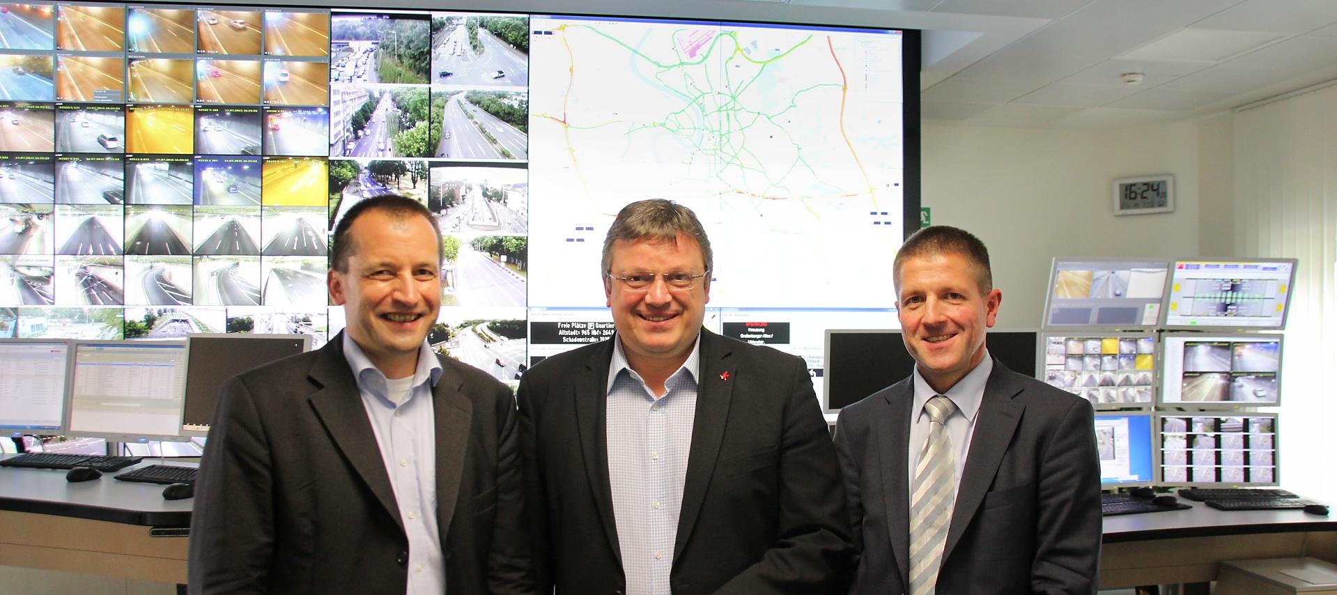 Das Fahren sicherer, effizienter und umweltschonender machen: Andreas Rimkus MdB besuchte die Tunnel- und Verkehrsleitzentrale Düsseldorf und informierte sich vor Ort über die Umsetzung des Bundesprogrammes UR:BAN