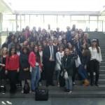 Gruppenfoto mit Schülern des Berufskollegs der Elly-Heuss-Knapp-Schule nach dem Gespräch im Bundestag
