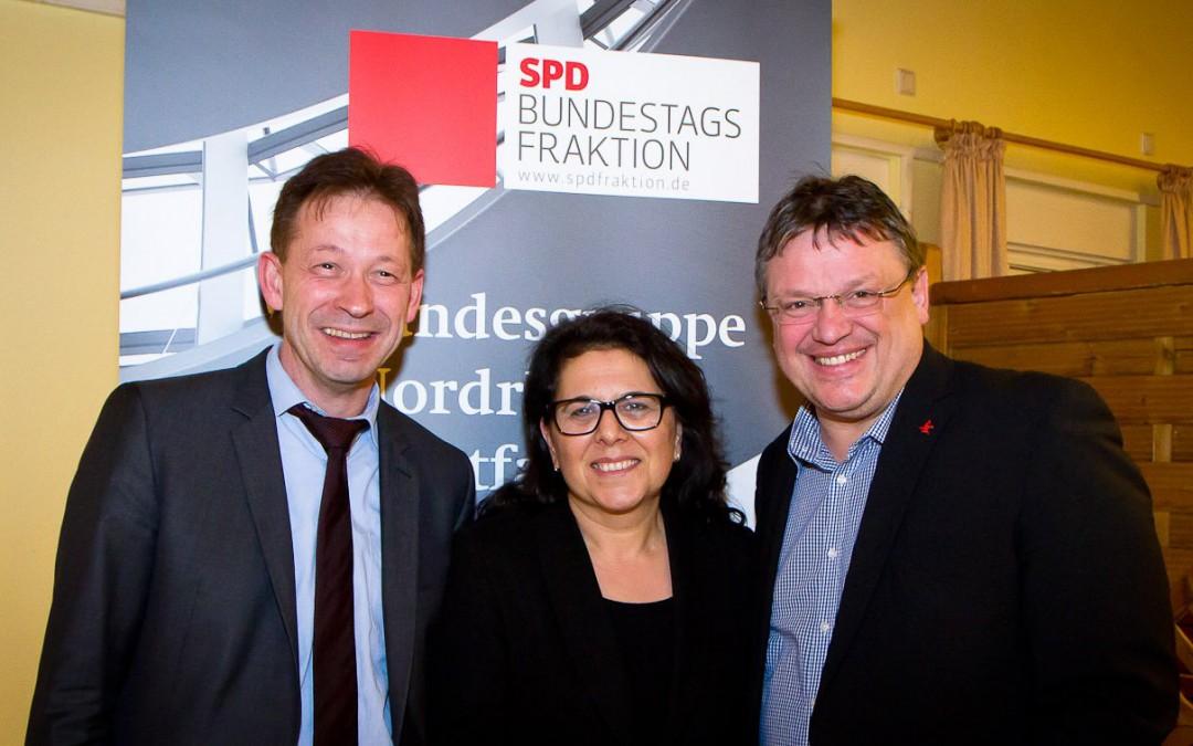 SPD-Bundestagsfraktion vor Ort: Gut besuchte Veranstaltung zum Thema Integration im Schützenhaus Eller