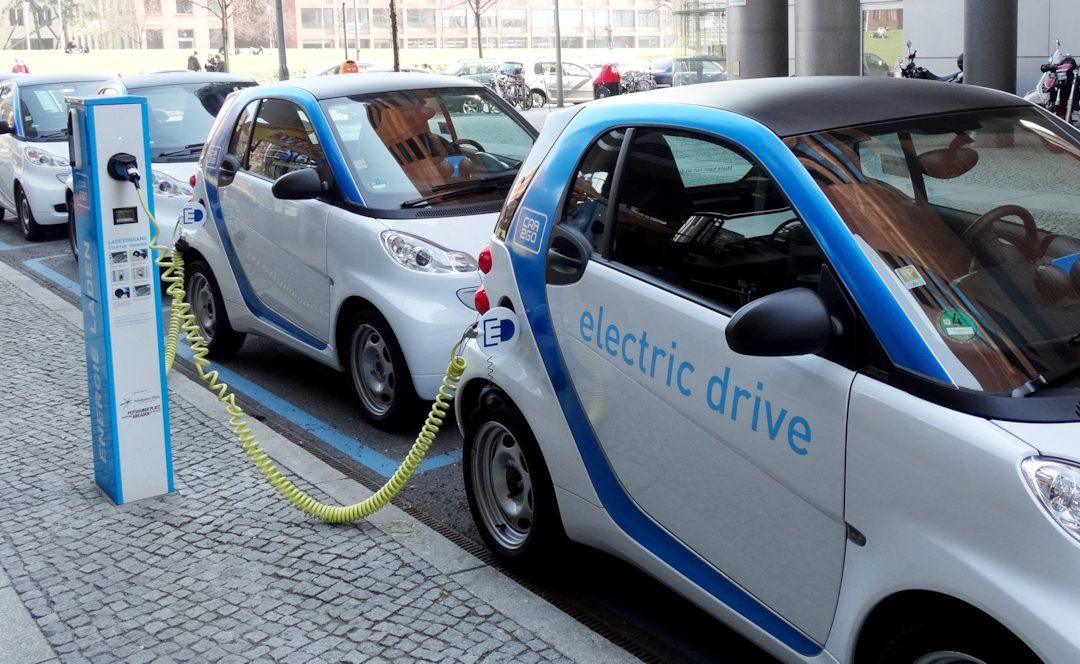 Vorfreude auf den Tag der Elektromobilität am 03.09. in Düsseldorf: Andreas Rimkus ist offizieller Botschafter der e-CROSS GERMANY 2016