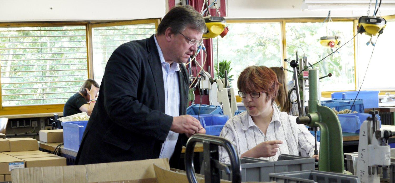 """Besuch bei einem """"Unternehmen der besonderen Art"""" in Düsseldorf – bei der Werkstatt für angepasste Arbeit"""