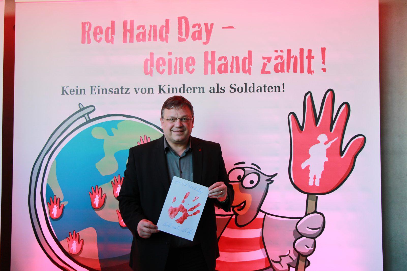 Red Hand Day 2017 – Kinder sind keine Soldaten!