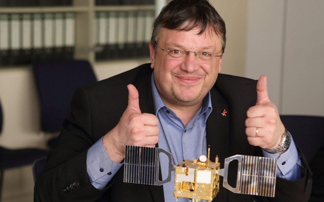 Ein Blick in ferne Welten – Andreas Rimkus zu Besuch beim DLR in Berlin