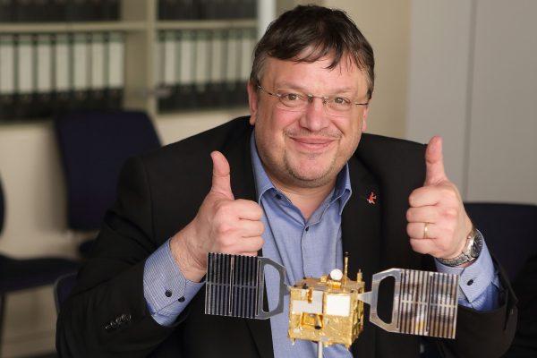 Ein Blick in ferne Welten - Andreas Rimkus zu Besuch beim DLR in Berlin