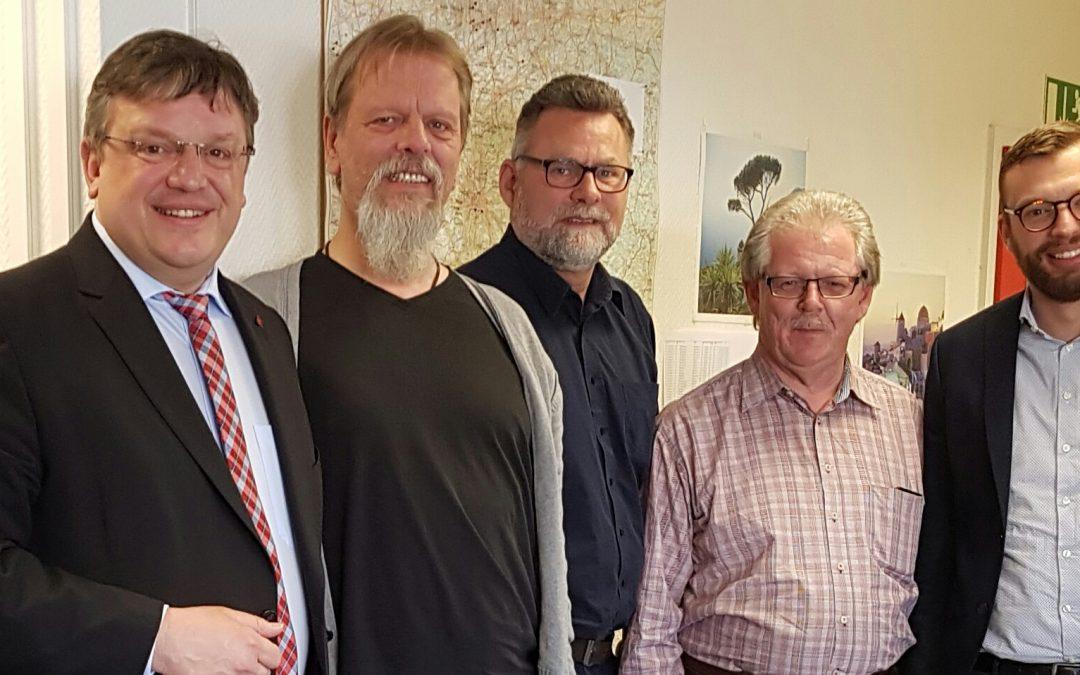 Nach Rettung der 15.000 Jobs in den früheren Kaisers-Filialen: Andreas Rimkus besuchte den Kaisers-Betriebsrat Nordrhein