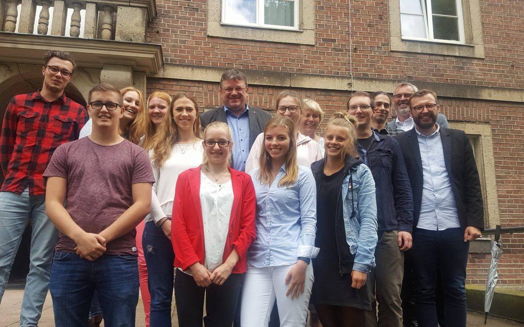 """""""Gute Pflege muss unserer Gesellschaft etwas wert sein!"""" – Andreas Rimkus zu Besuch beim Studiengang Pflege und Gesundheit der Fliedner-Fachhochschule in Kaiserswerth"""