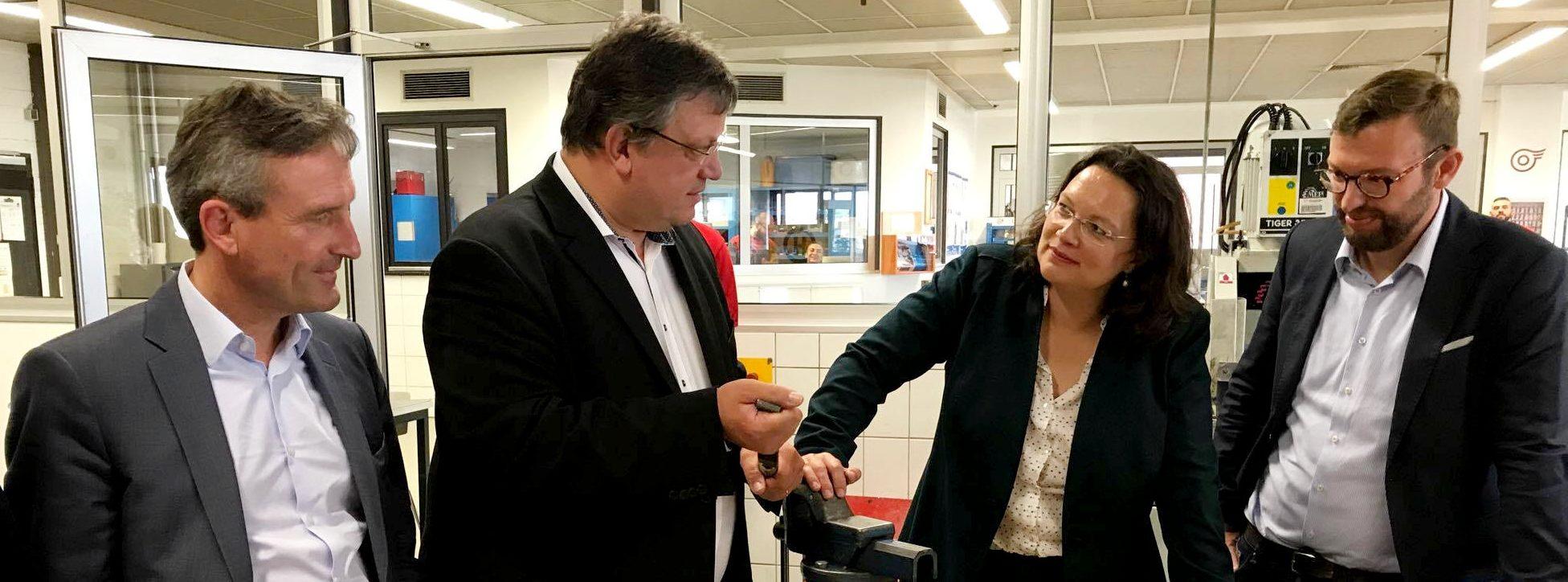 Bundesarbeitsministerin Andrea Nahles zu Besuch bei der Rheinbahn
