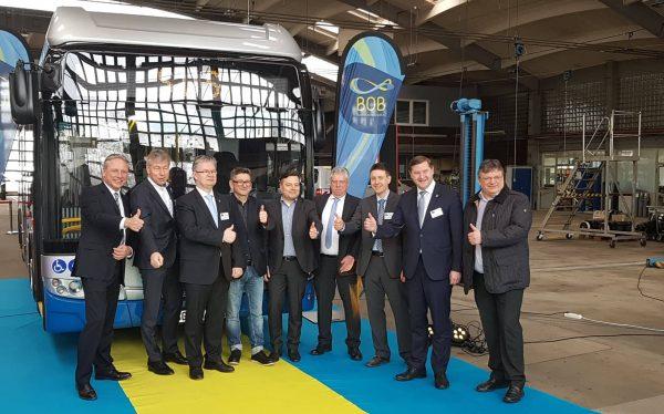 """In Solingen ist ab sofort """"BOB"""" im Einsatz! Andreas Rimkus gratuliert der Stadt Solingen zur emissionsfreien Weiterentwicklung ihrer ÖPNV-Busflotte"""