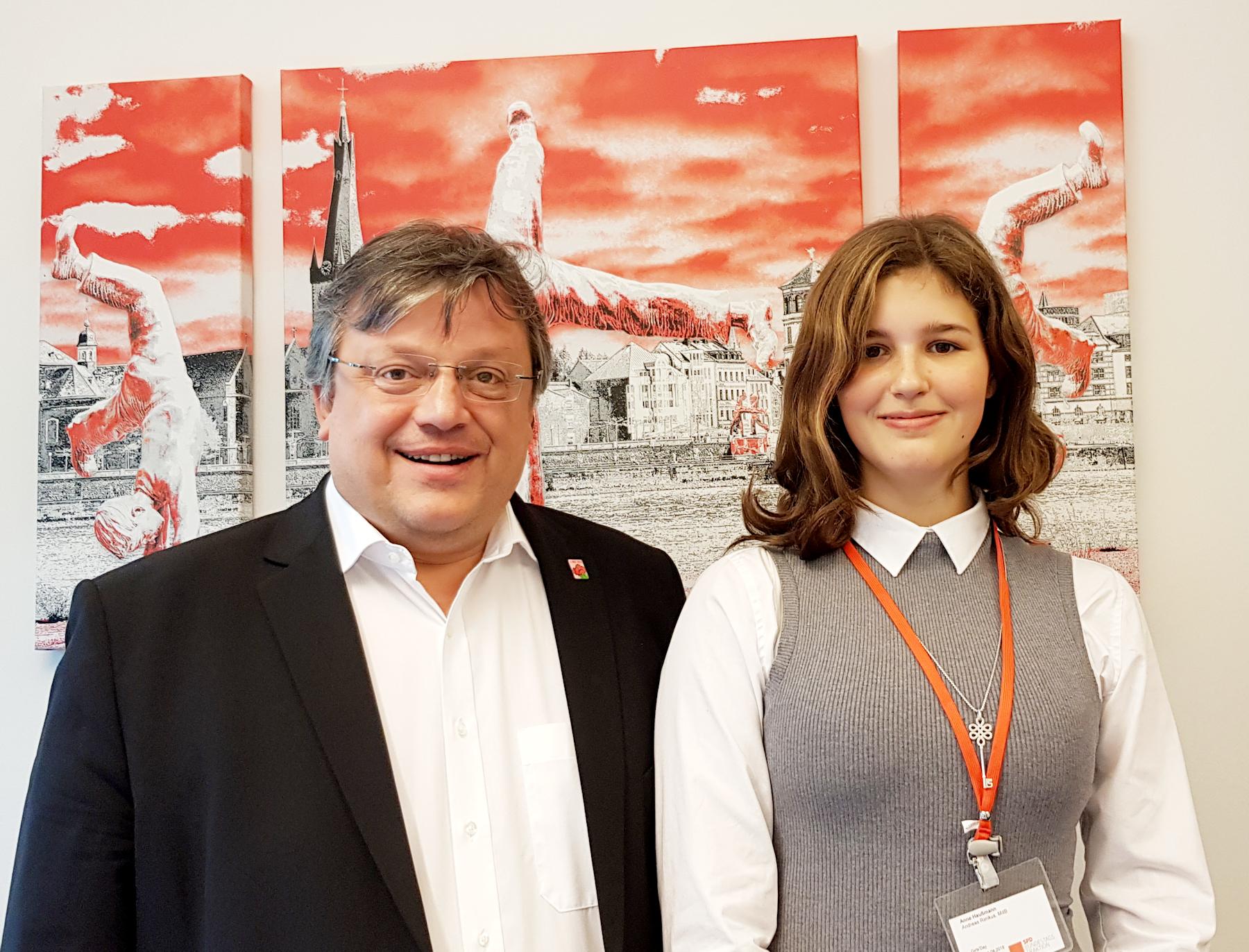Girls' Day 2018: Anne Haußmann aus Düsseldorf auf Stippvisite im Bundestag