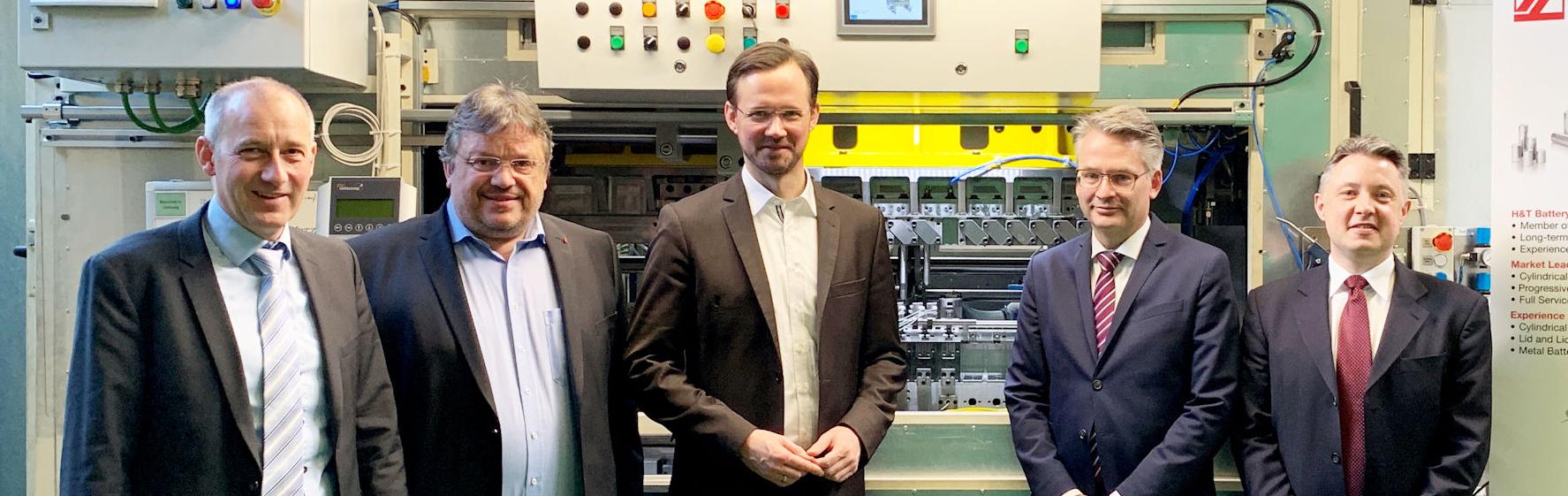Andreas Rimkus in Marsberg: Besichtigung der Komponentenherstellung für die Batteriezellproduktion in NRW