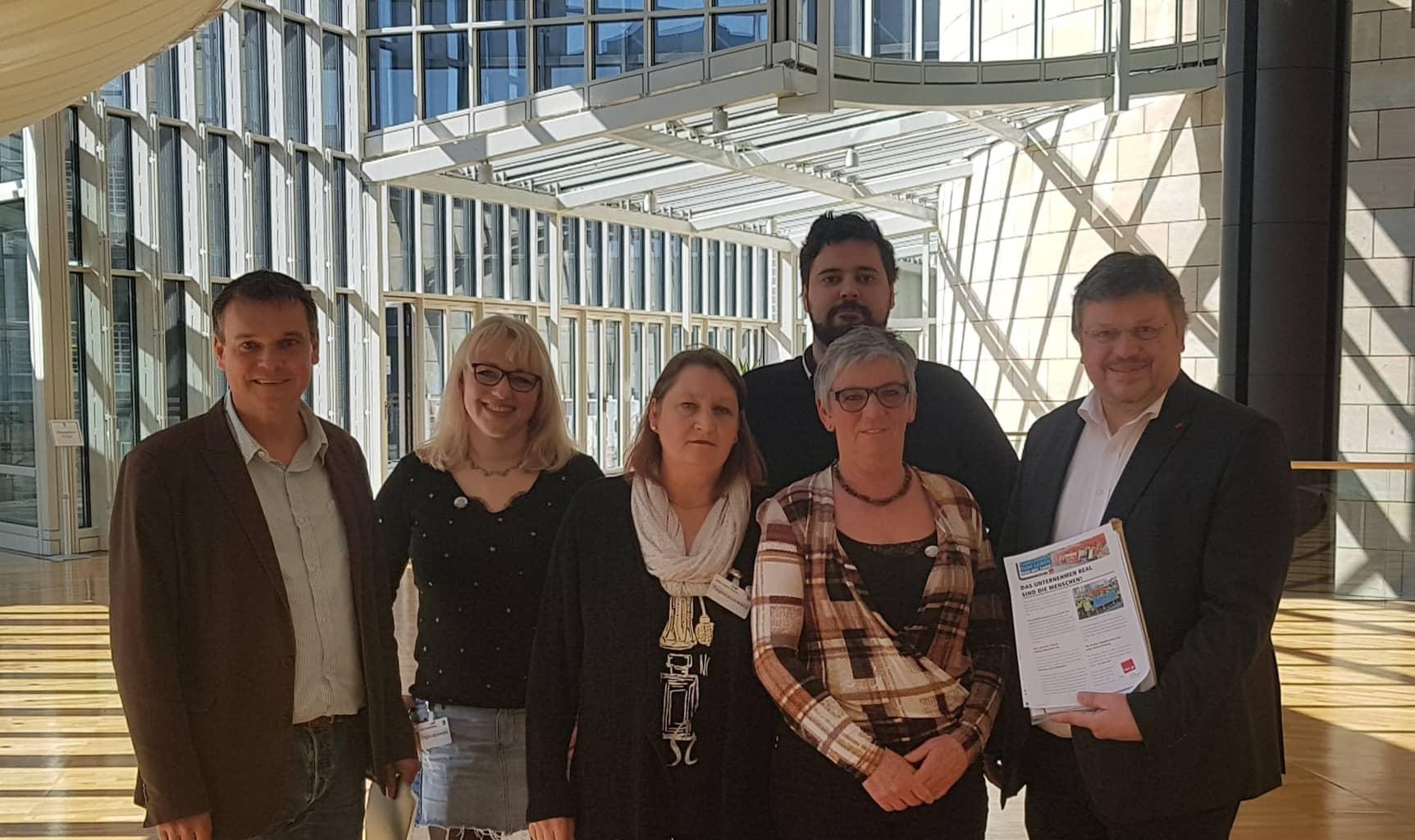 Andreas Rimkus MdB und Markus Weske MdL im Gespräch mit dem Düsseldorfer real-Betriebsrat und der Gewerkschaft verdi: Flucht in Dumping-Tarife muss ein Ende haben!
