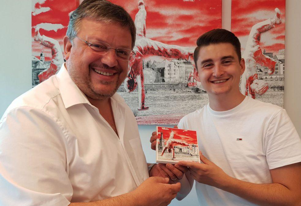 Jugend und Parlament: Maximilian Lykissas aus Düsseldorf als Junior-Abgeordneter im Bundestag