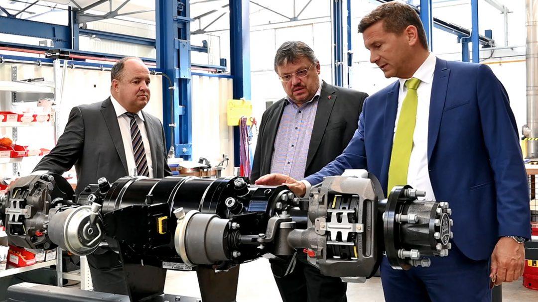 Innovationen für die Elektromobilität aus NRW: elektrisch angetriebene Achsen für LKW und Transporter