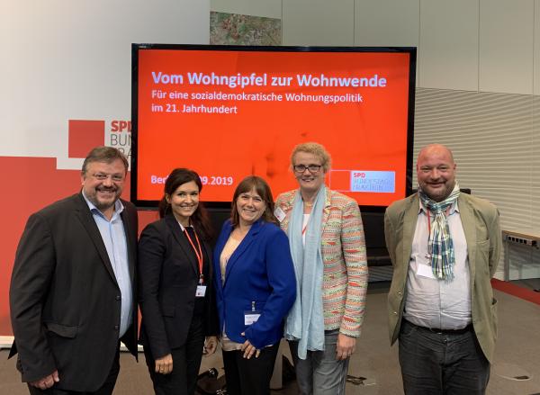 SPD-Fraktion fasst Beschluss zur Wohnungswende / Düsseldorfer Teilnehmer*innen beim Wohngipfel in Berlin