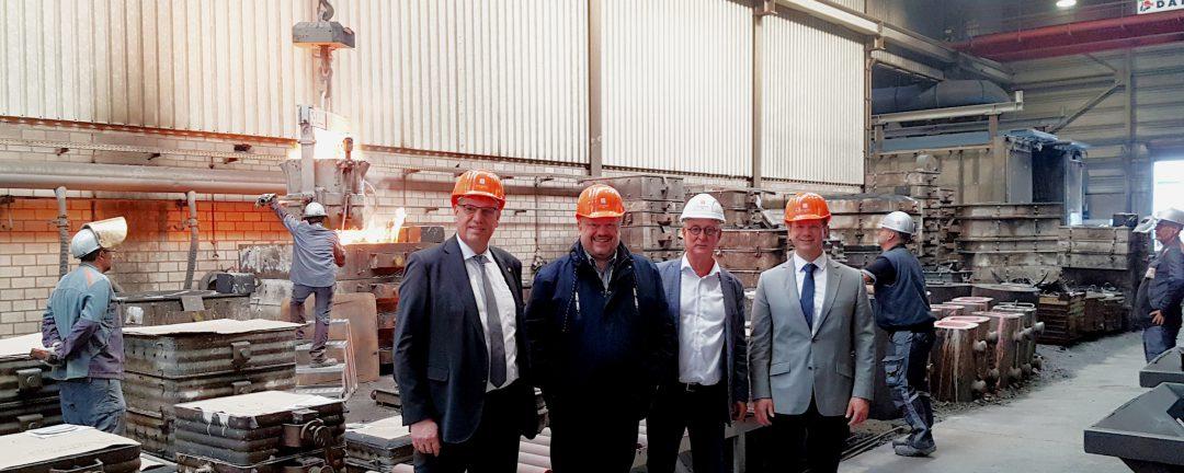 Andreas Rimkus besucht die Edelstahlwerke und Gießerei Schmees in Langenfeld