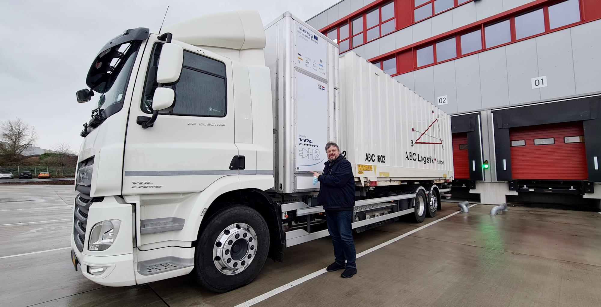 Andreas Rimkus vor Ort: Deutschlandweit erster Wasserstoff-LKW wird in Düsseldorf getestet