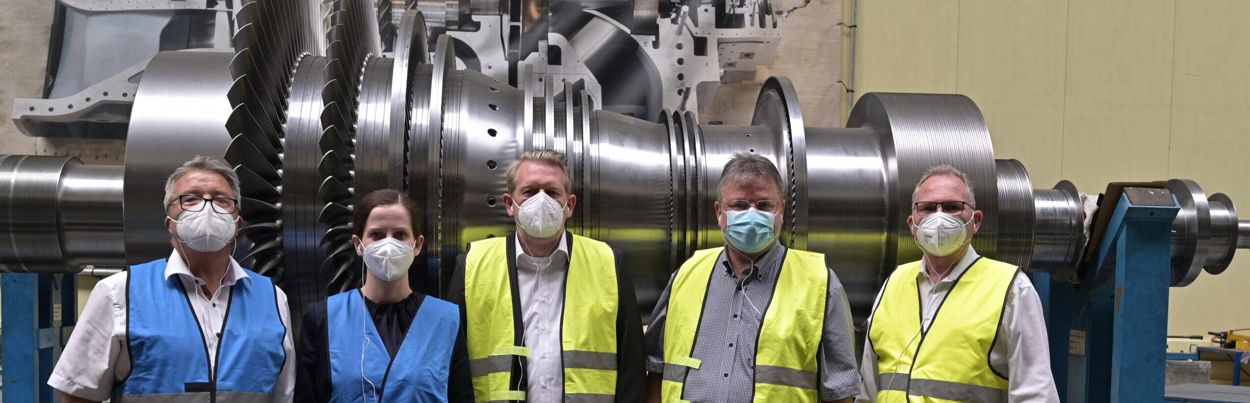 Aufbau einer Wasserstoffwirtschaft in NRW: SPD-Bundestagsabgeordnete diskutieren mit MAN Energy Solutions